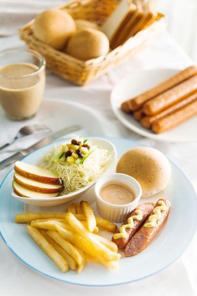 邱明正經營的「晨間廚房」,餐食都採西式的用餐概念,物超所值。記者王昭月/翻攝