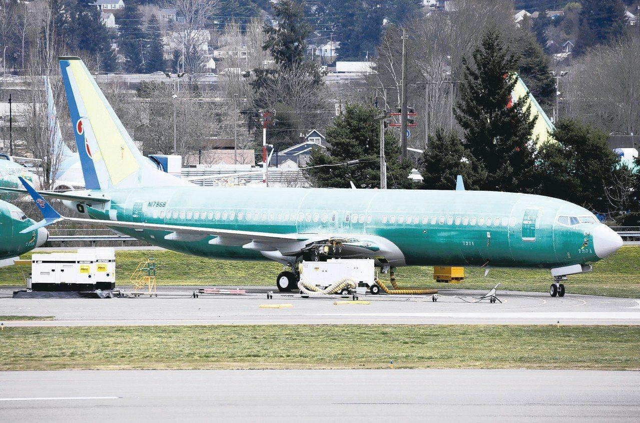 波音737 Max 8客機10日墜機後,中國大陸率先宣布停飛。圖為中國南方航空訂...