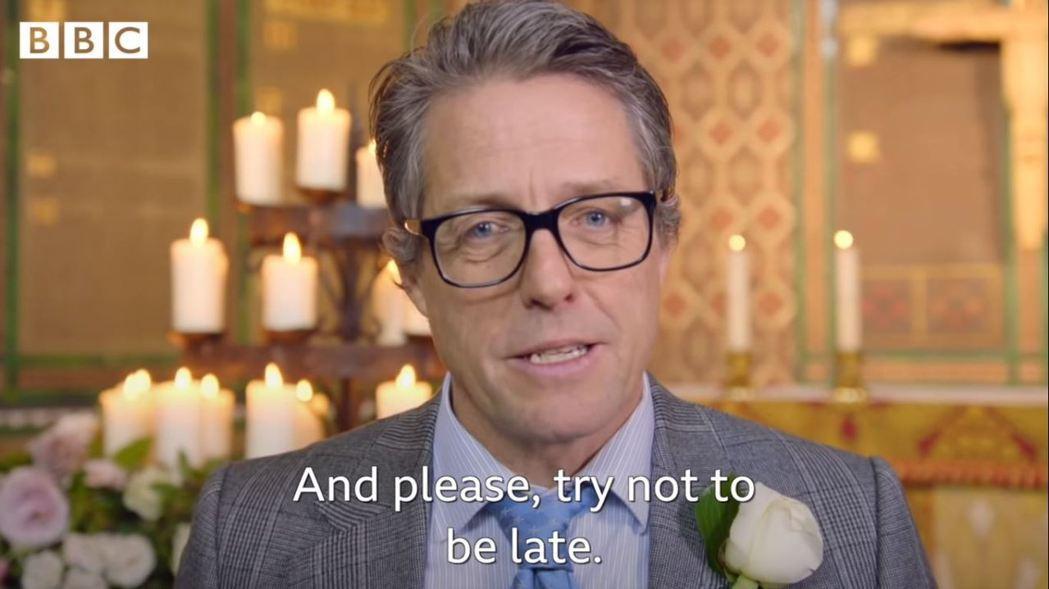 「請您別遲到了。」2019年紅鼻子日,玩的哏是寇蒂斯更早的電影《你是我今生的新娘...