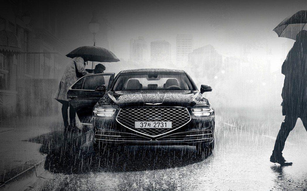 小改款Genesis G90 Limousine僅提供5.0升V8汽油動力。 摘...