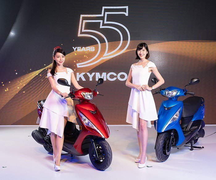 光陽「FAMOUS 新名流125」自一推出後銷售屢創新高,三月更締造單日賣出35...