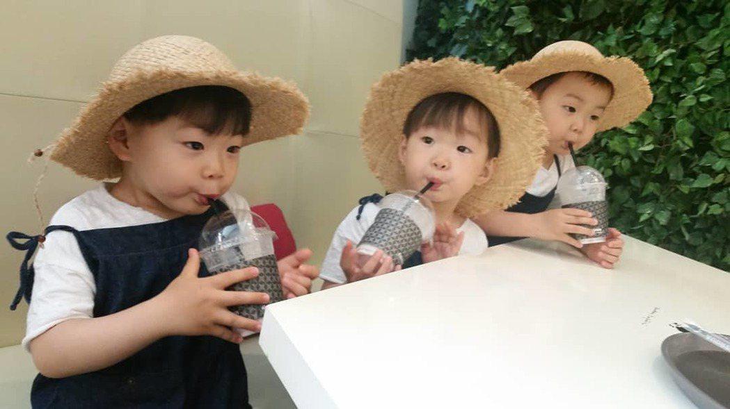 「大韓」、「民國」、「萬歲」曾參加實境節目「超人回來了」。圖/擷自instagr...