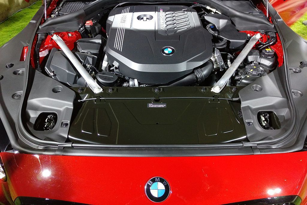 BMW Z4 M40i具備340hp最大馬力、51.0kgm峰值扭力輸出搭配St...