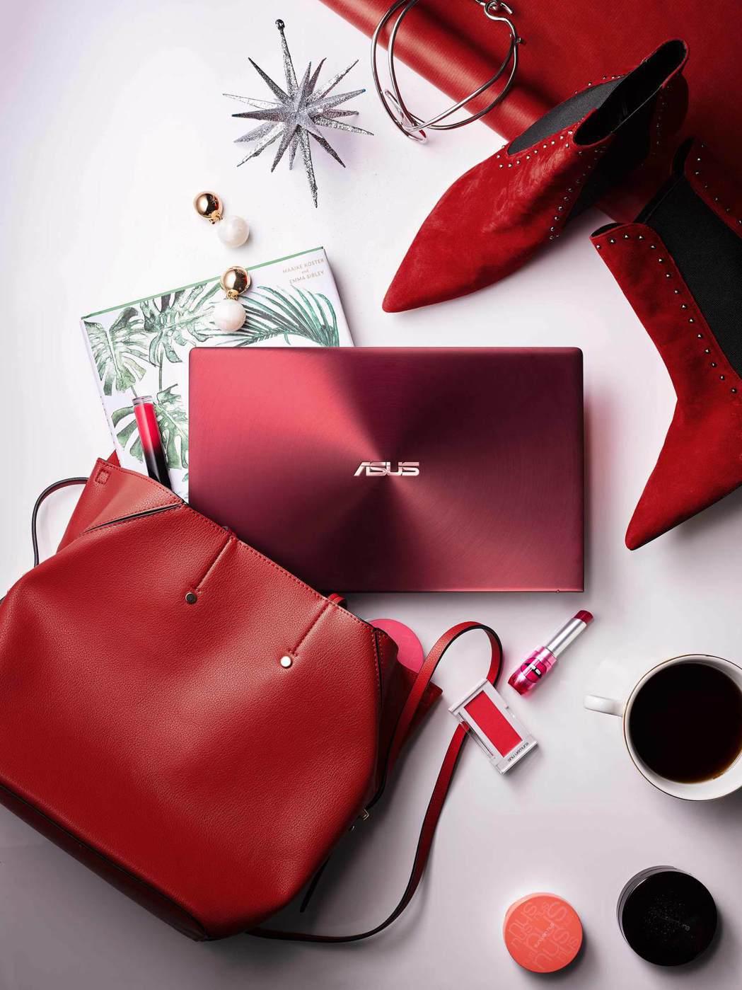 ASUS ZenBook 13勃艮第紅新色即日起上市。 華碩/提供
