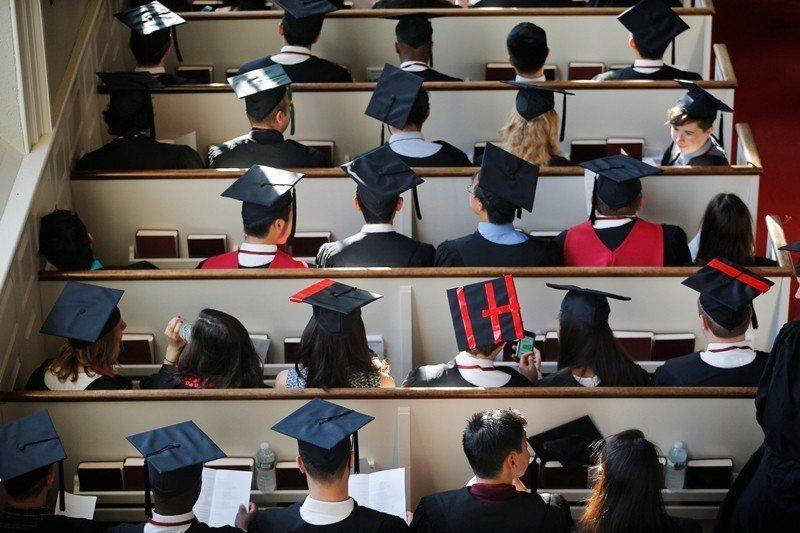 家長與學生必須瞭解現在教育型態是具多重樣貌的,教育不再只侷限於學校教育體制內。 圖/路透社