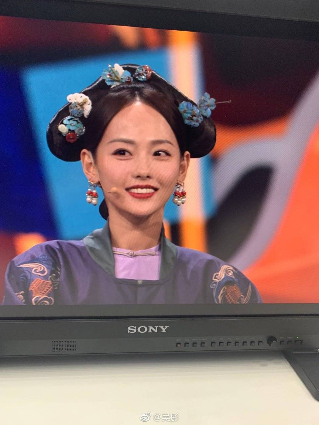 張嘉倪出演「王牌對王牌」。圖/摘自微博