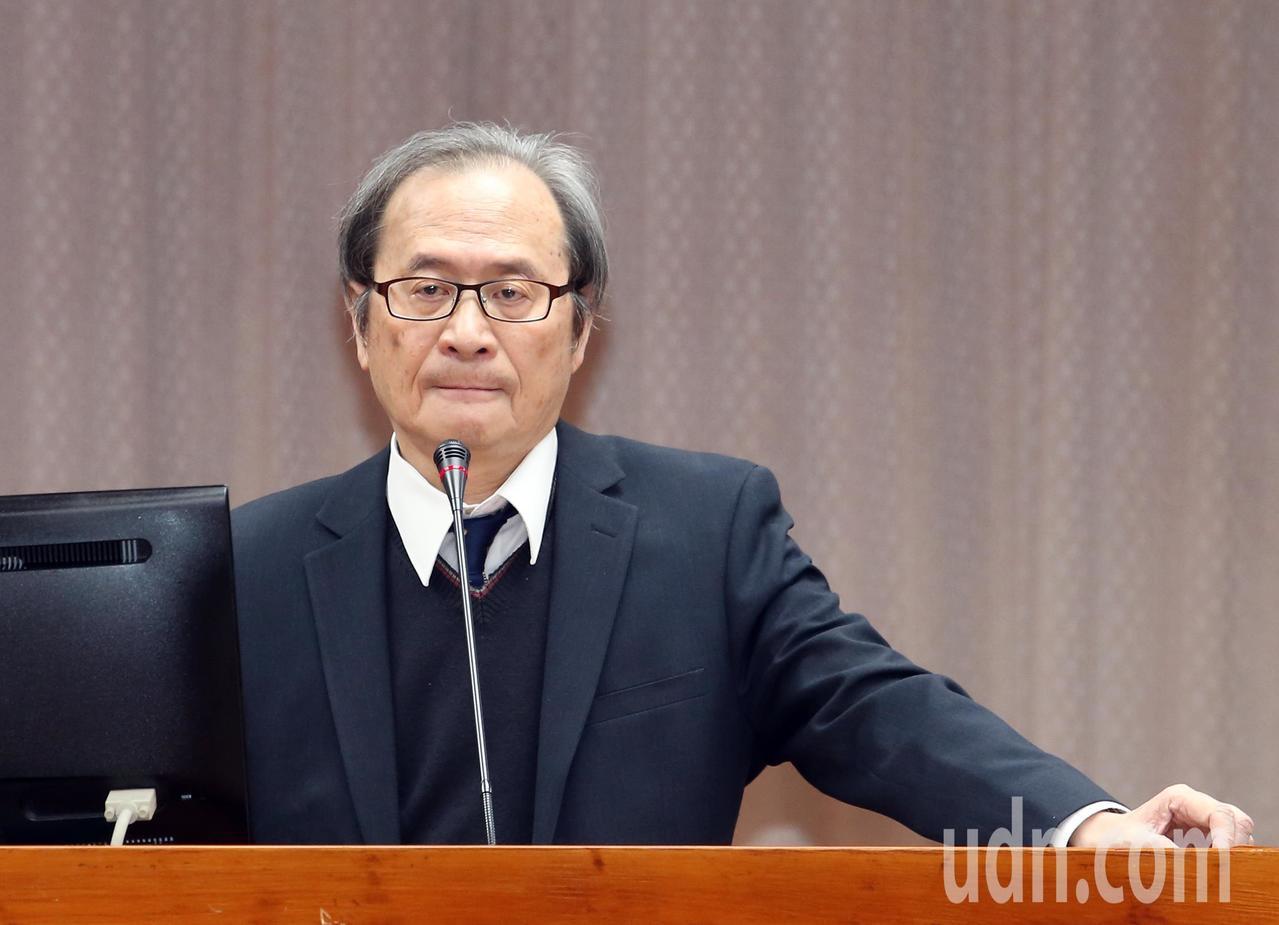 立法院教育文化委員會邀請原能會主委謝曉星(圖)報告並備答詢。記者許正宏/攝影