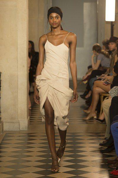 JACQUEMUS扭結洋裝,特價9,594元。圖/ARTIFACTS提供