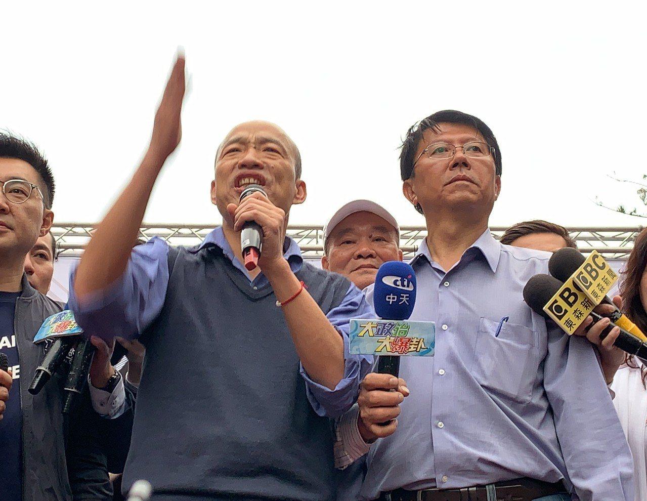 高雄市長韓國瑜(左)明晚可望三度與謝龍介合體造勢。本報資料照片