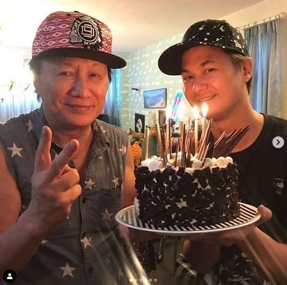 香港歌神許冠傑(左)和兒子許懷欣。圖/擷自IG