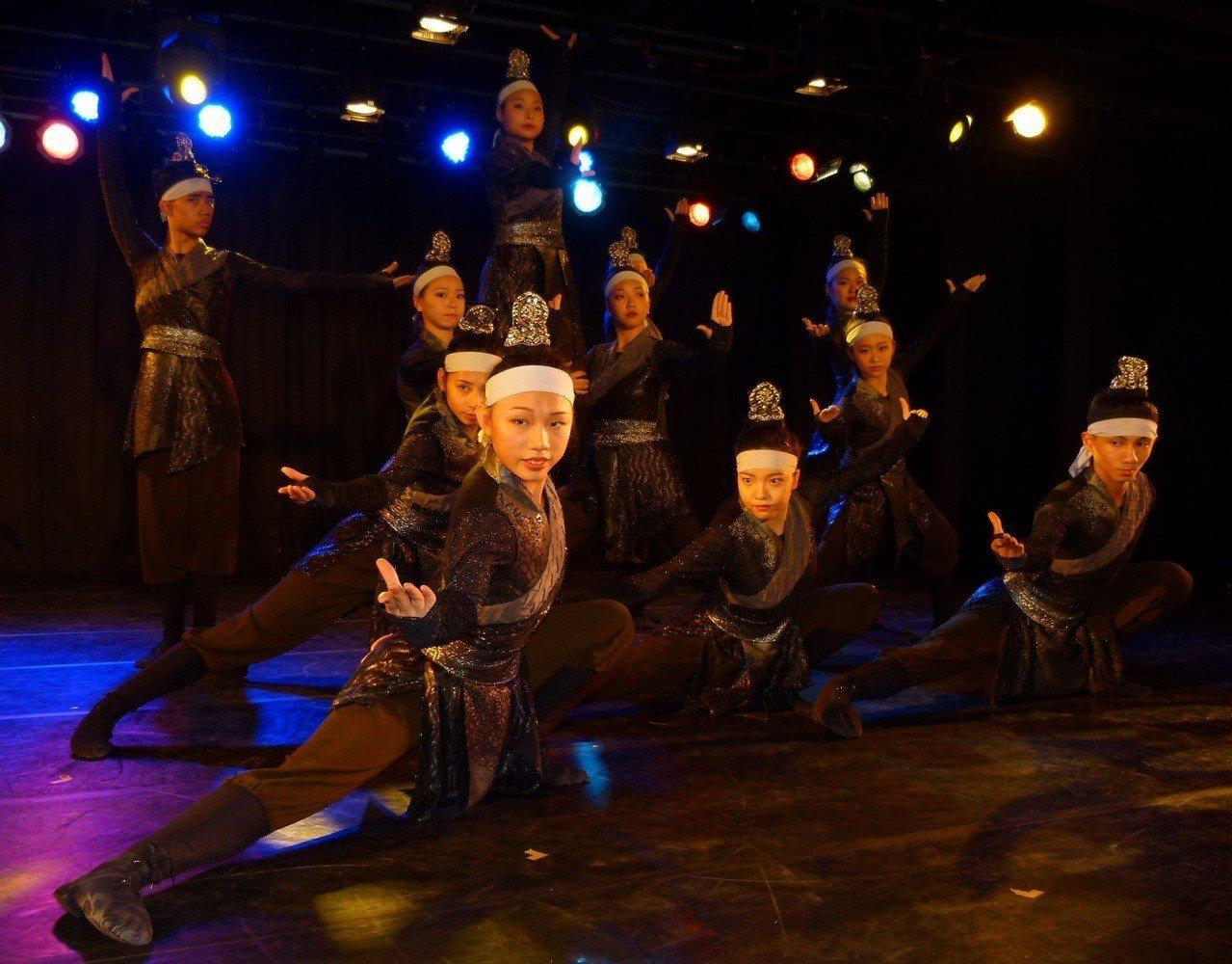 啟英高中表演藝術科連續3年拿下全國古典舞特優第一。記者鄭國樑/攝影