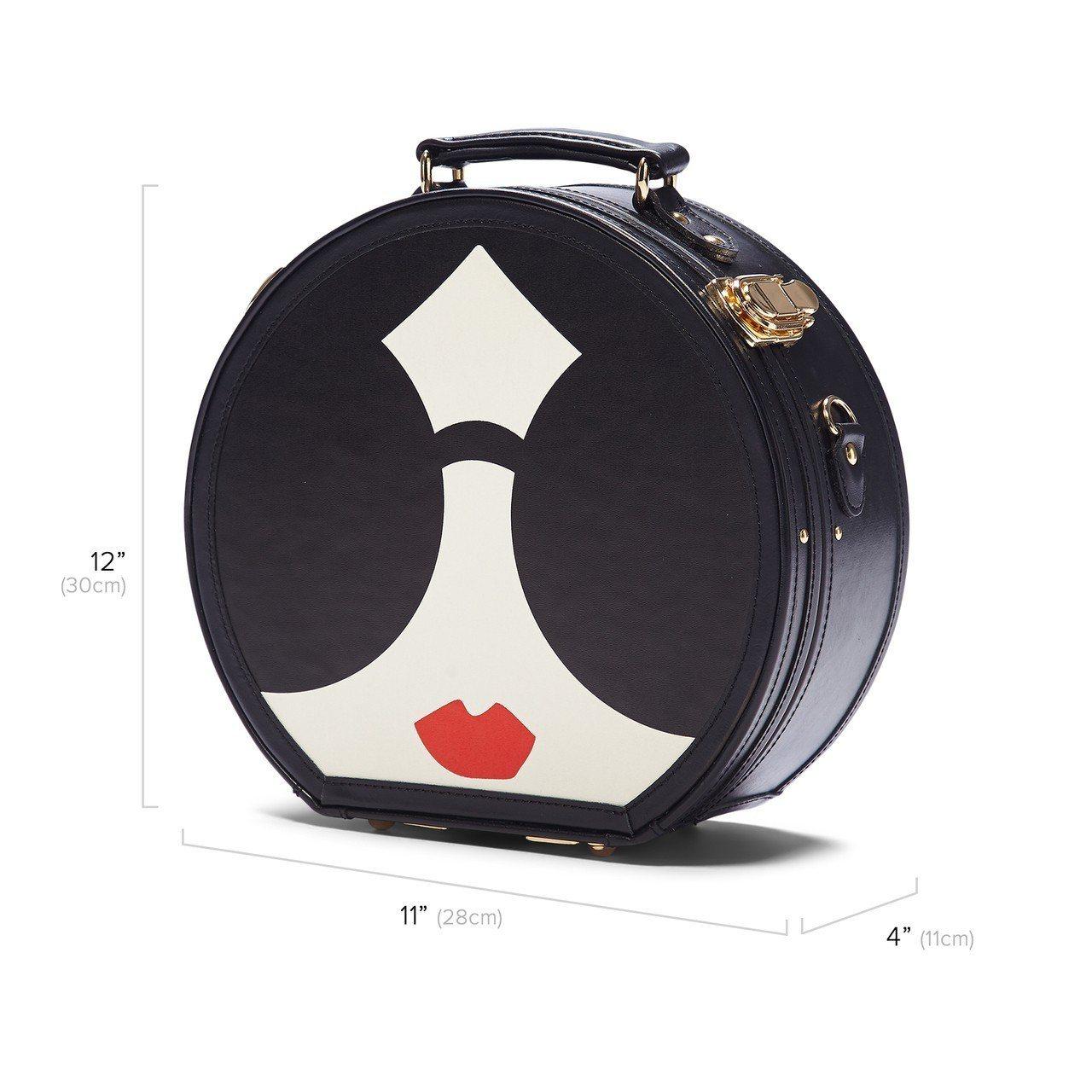 與奢華旅行品牌Steamline Luggage合作的帽箱,18,900元。圖/...