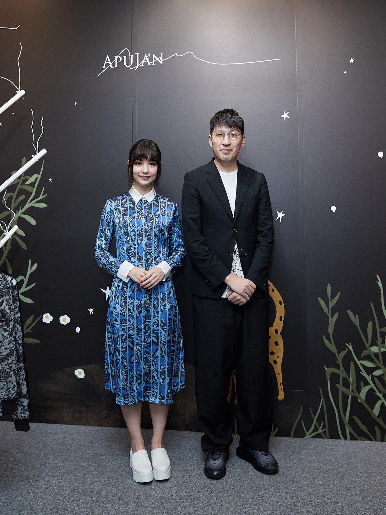APUJAN品牌一日大使黑嘉嘉(左)與設計總監詹朴。圖/APUJAN提供
