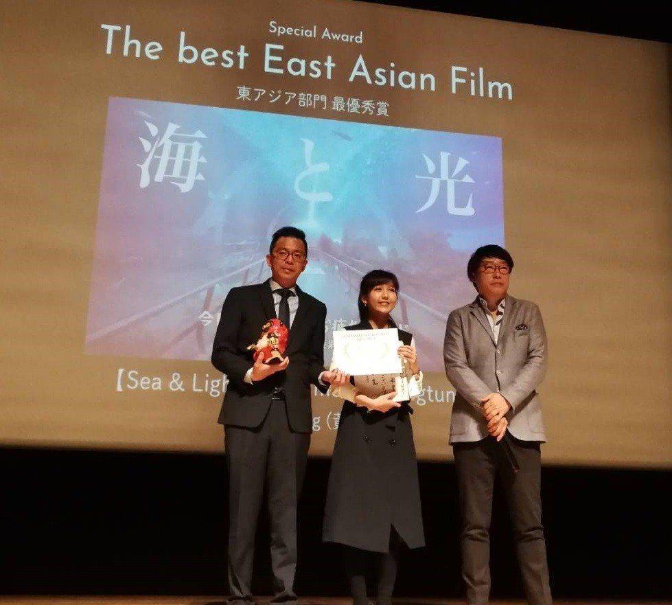 為台灣燈會及屏東觀光製作的「海與光(我們屏東見吧!)」音樂影片,今天在日本勇奪第...