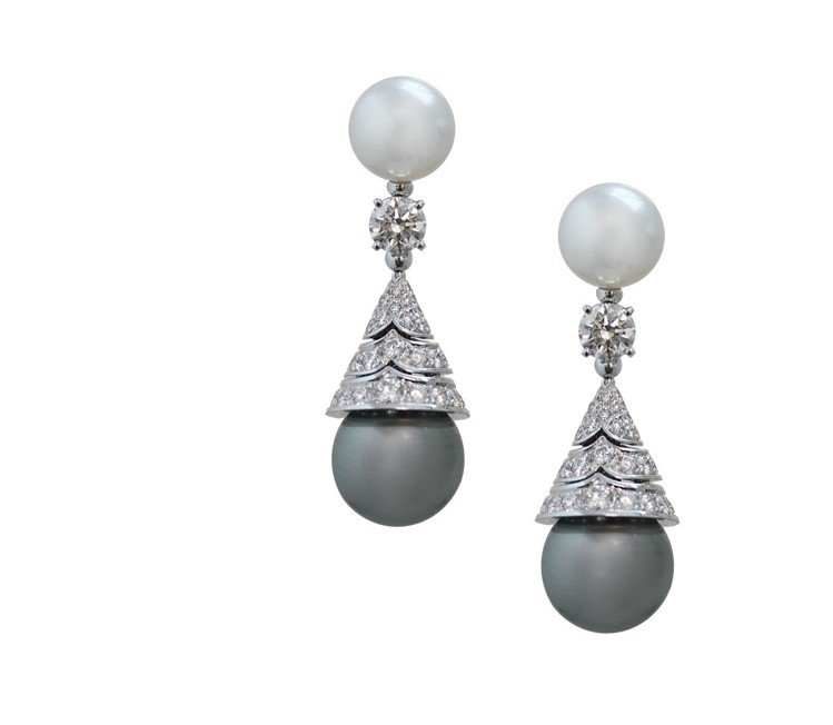 WILD POP MUSIC系列頂級珍珠與鑽石耳環,約300萬元。圖/BVLGA...