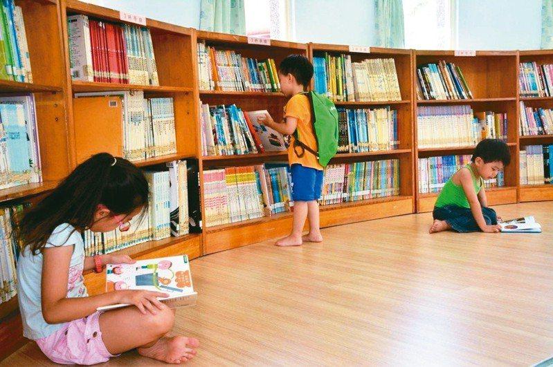 教育部先後推出各種閱讀計畫,前後歷經廿年,台灣閱讀力卻還是不振。 圖/聯合報系資料照片