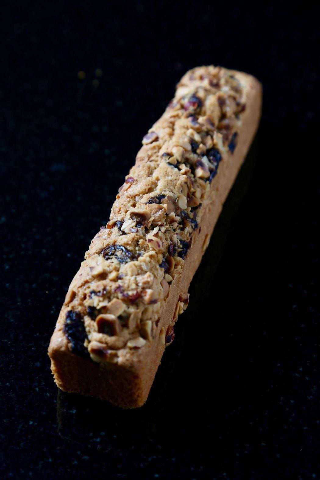 帕莎蒂娜酒釀桂圓榛果旅行蛋糕,採用台南東山桂圓與法國榛果結合出絕妙風味。  帕莎...
