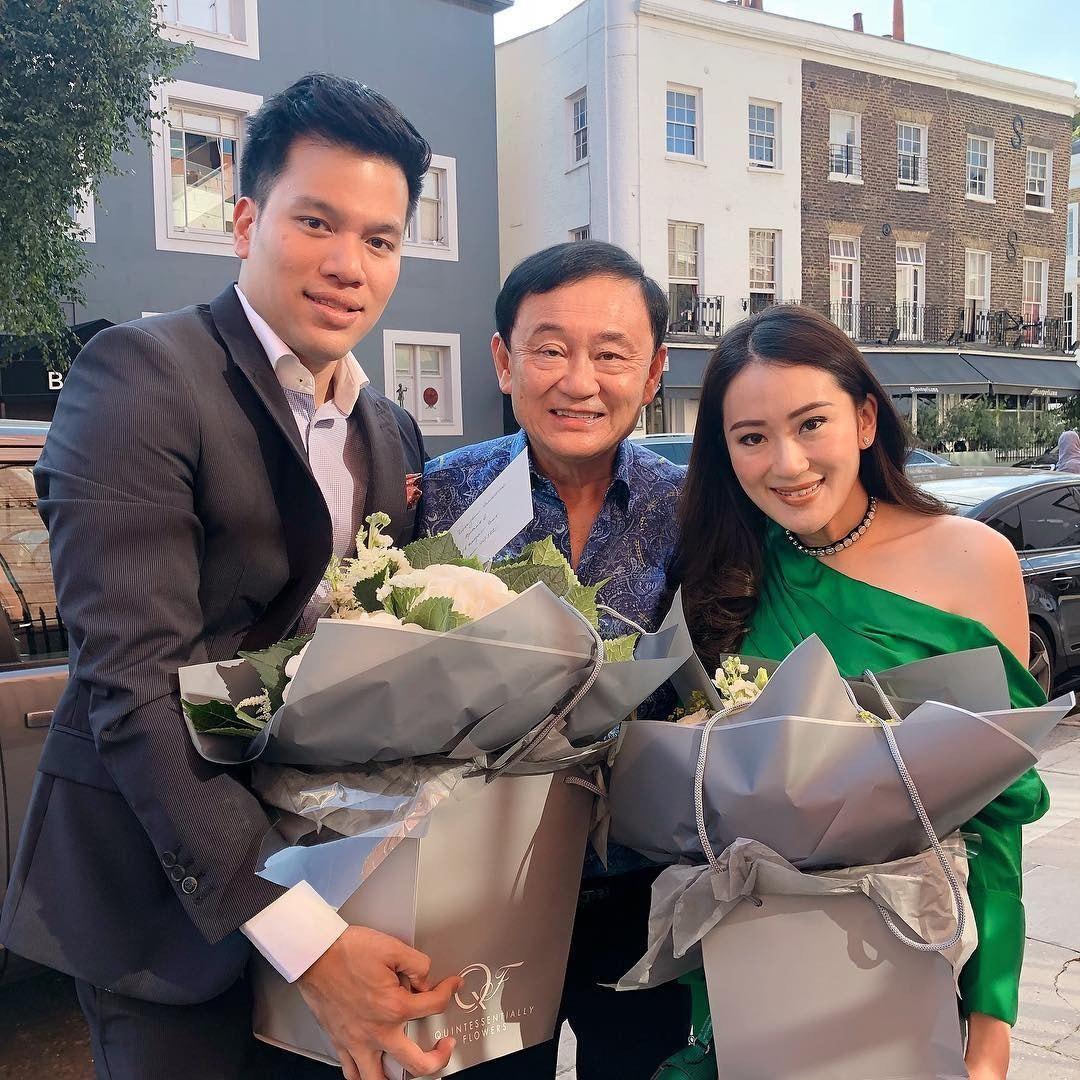 泰國前總理幼女下周在港成婚,塔信、盈拉先抵港打卡。 世界日報記者鍾祖豪/攝影豪