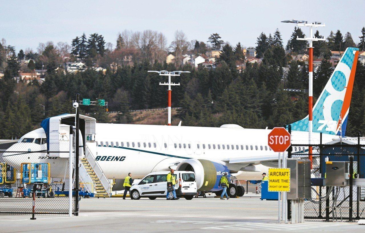 中國率先禁飛波音737 MAX 8客機,為波音在近期內取得大筆飛機訂單的期待投下...