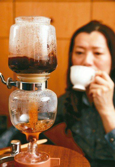民眾喝飲料偏好,南北大不同,台北市咖啡館特多,一級戰區在大安區,區內就有超過20...