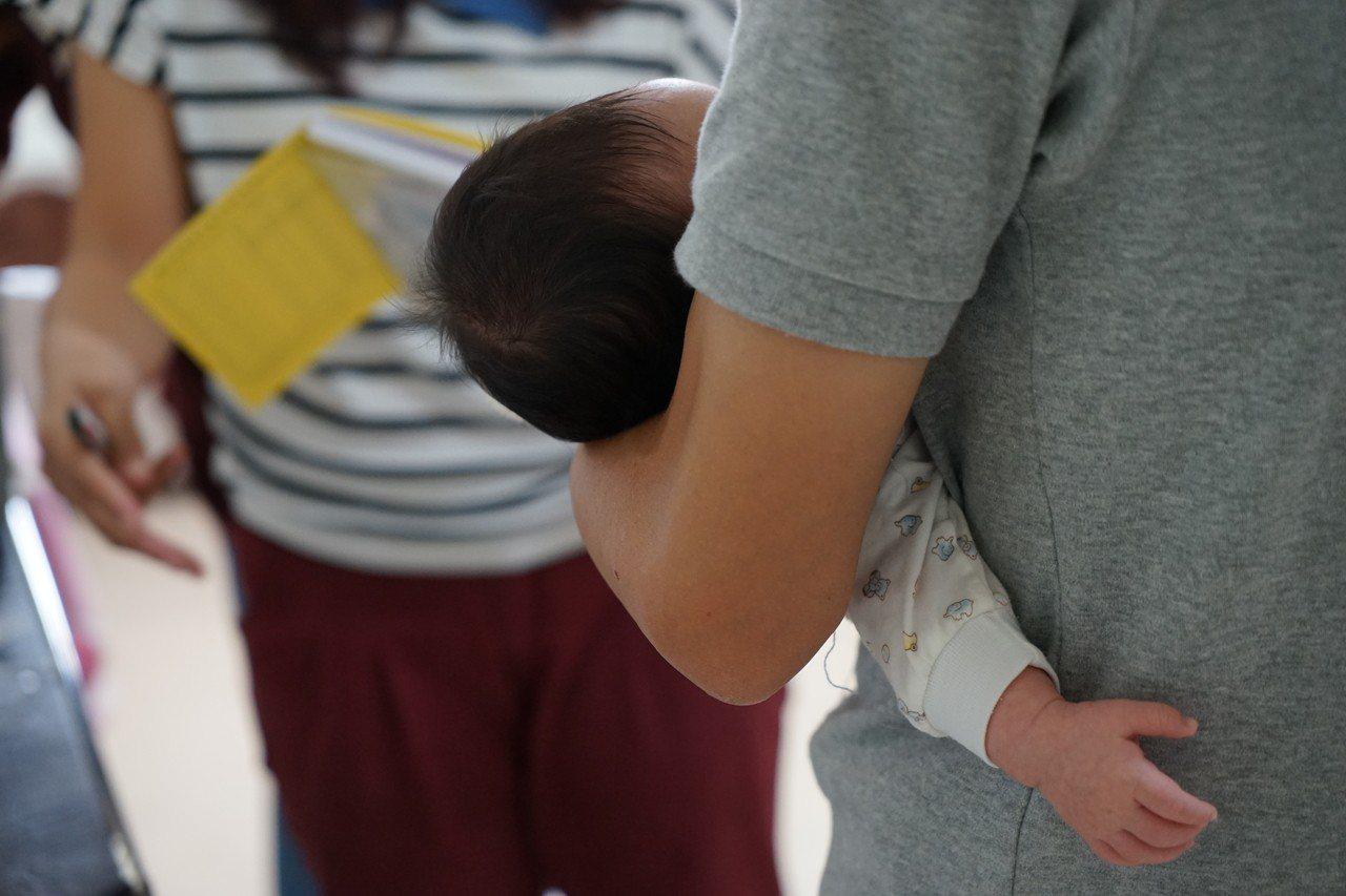 台灣大學公共衛生學院與中國醫大公共衛生學院的最新研究發現,父親生育年齡與孩子罹患...