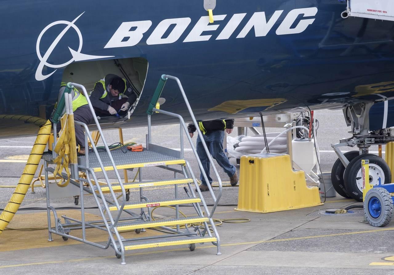 各國開始禁止執飛波音737 MAX系列機型。 法新社