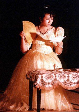 亞斯莫早期影劇圈工作時所留下的劇照。(圖/亞斯莫 提供)