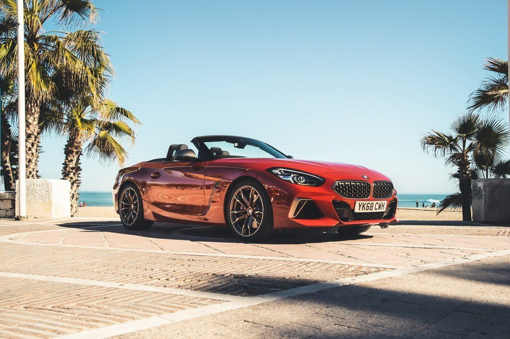 新世代BMW Z4 (G29)於去年八月正式發表,近日正式進駐英國BMW的展間。 摘自BMW UK