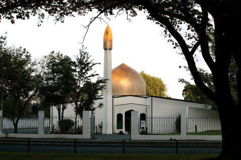 紐西蘭基督城清真寺槍擊案:在逃槍手直播屠殺,已知40死