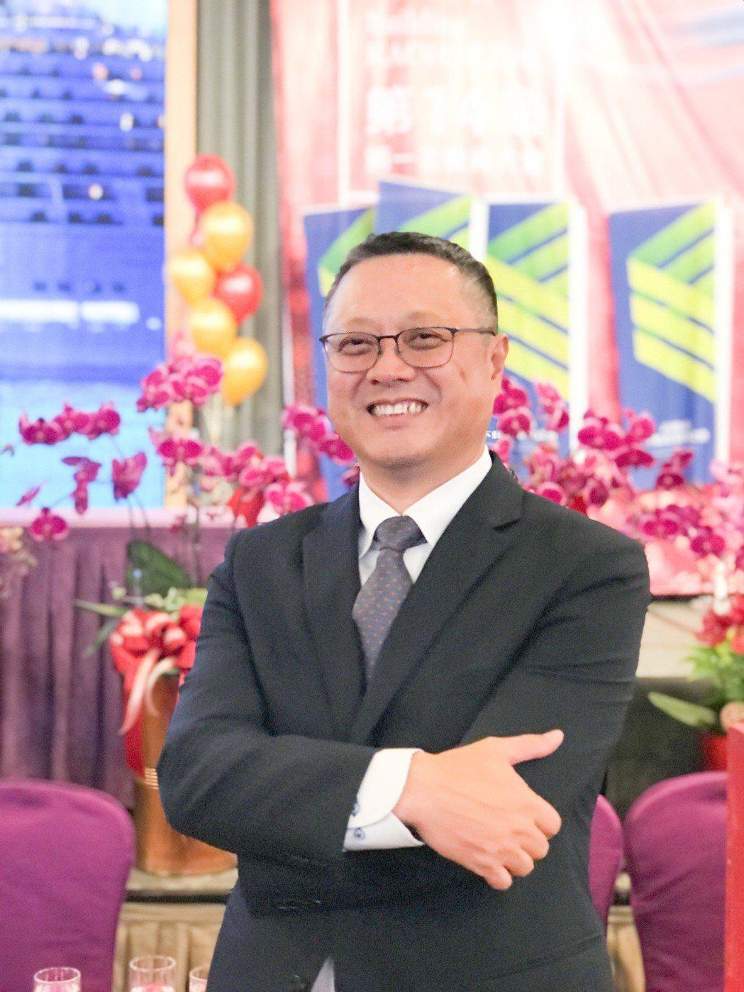 巴巴事業集團董事長黃烱輝當選高雄市不動產開發商公會第14屆理事長。 攝影/張世雅