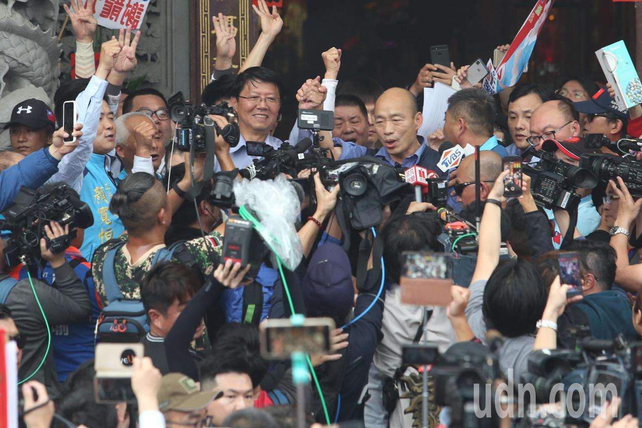 圖為高雄市長韓國瑜日前到台南幫台南市立委補選候選人謝龍介站台助選。本報資料照片
