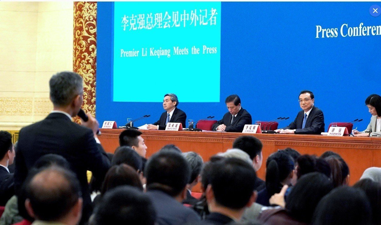 大陸國務院總理李克強15日表示,中美雙方經貿磋商還在繼續進行,他相信兩國人民有智...