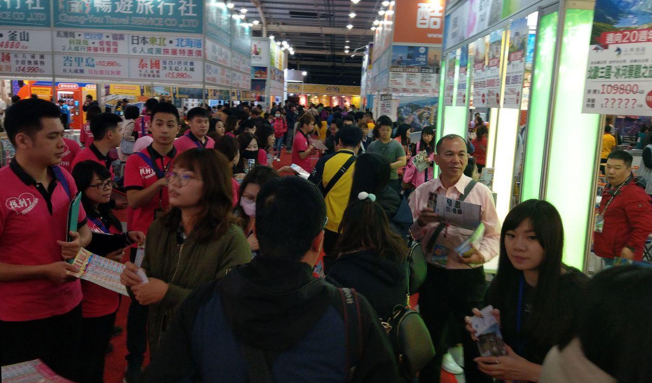 中台灣春季旅遊展今天在台中登場。記者趙容萱/攝影