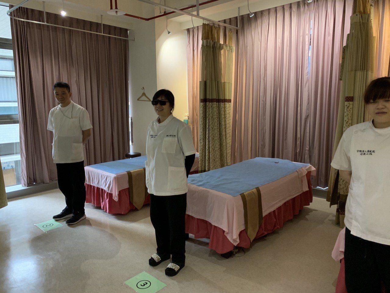 全國首座結合視障按摩師專業訓練、住宿與按摩小棧的「惠心樓」,今天正式啟用,設有全...
