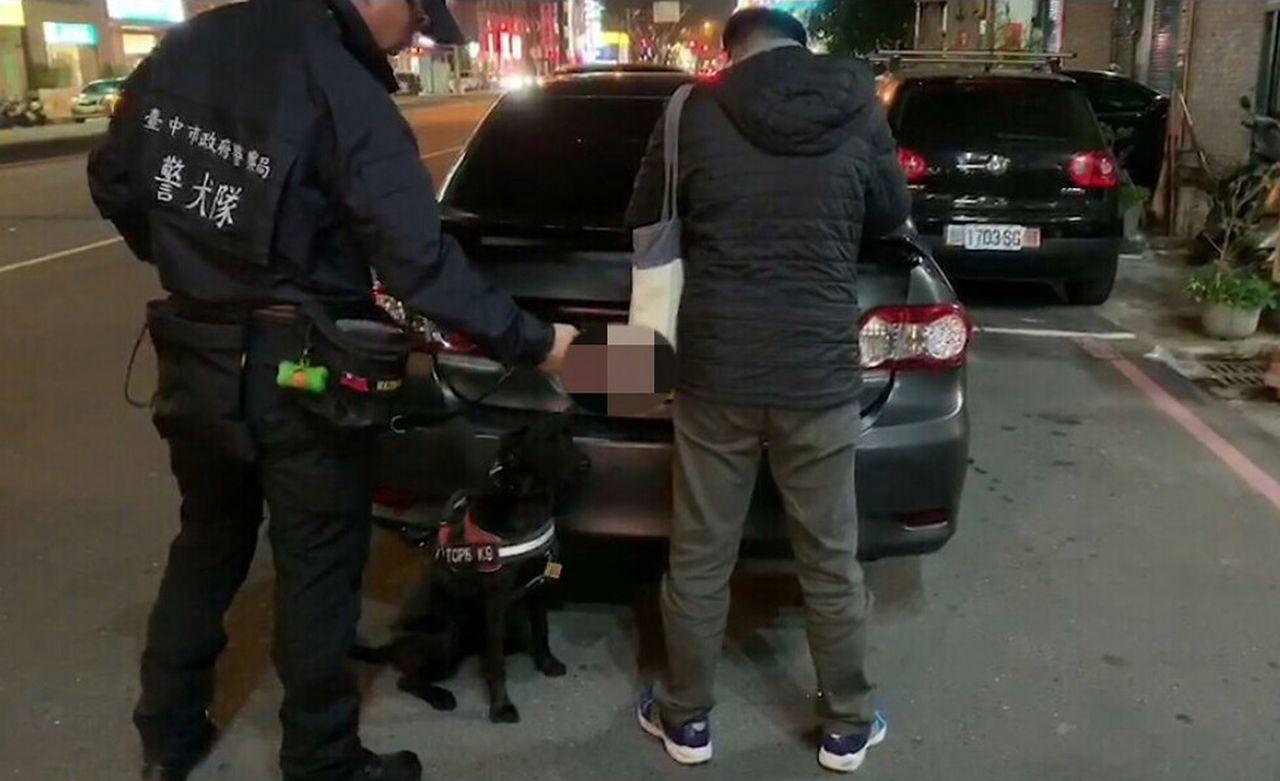 林姓男子以行動餐車運毒、販毒,掩人耳目,沒想到被台中市警局烏日分局找來嗅覺靈敏警...