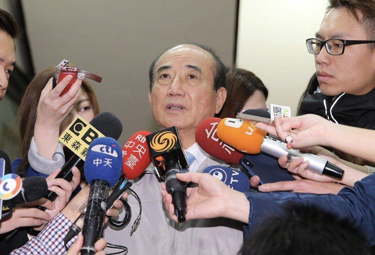 不滿民進黨對兩岸議題的回應,國民黨立委王金平提出「四不能、一要」。記者許正宏/攝...
