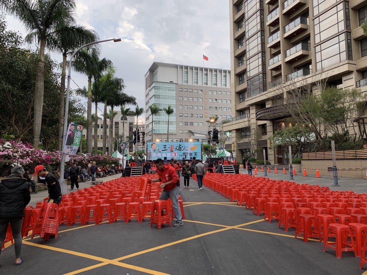 立委補選前夕,余天選擇在三重市前街封街辦造勢晚會。記者張曼蘋/攝影