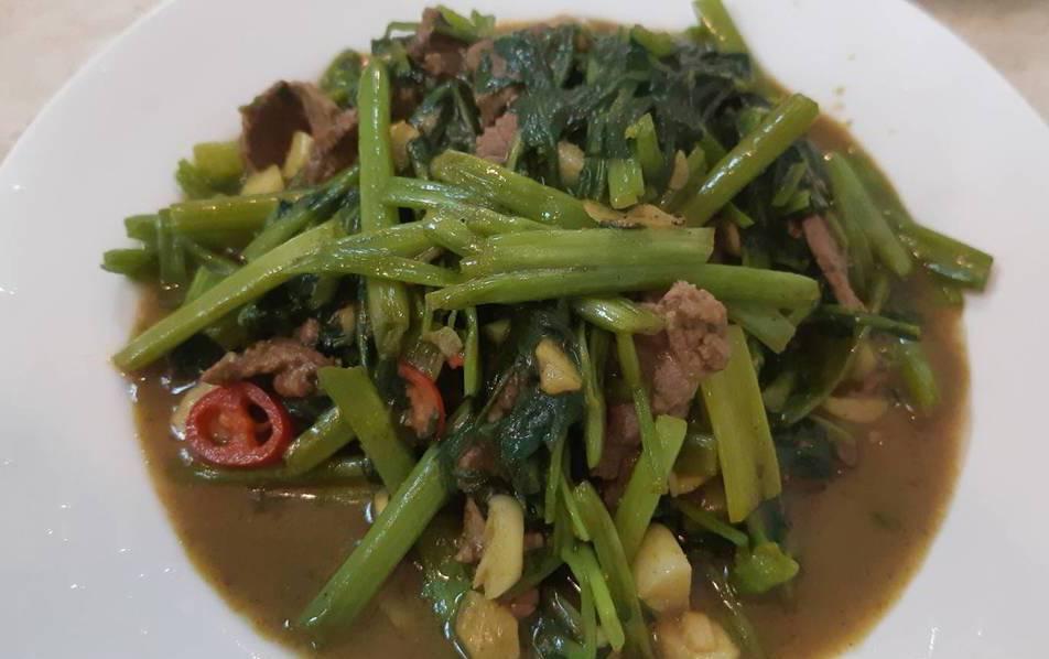 「金春發」炒牛肉有咖哩風味。記者 柯意如/攝影