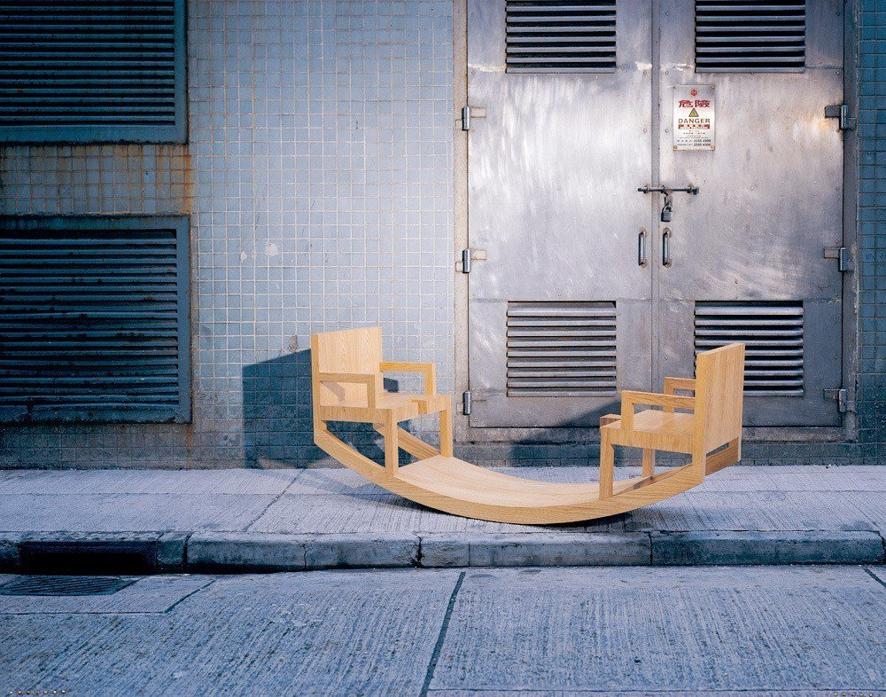 藝術家劉小康《椅子戲II》也將登場粉樂町。圖╱椅子戲工作室提供