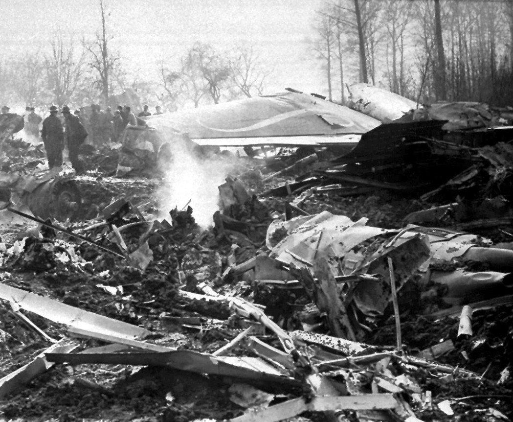 1961年,波音707在比利時失事,導致美國國家花式滑冰隊全體18名運動員和16...