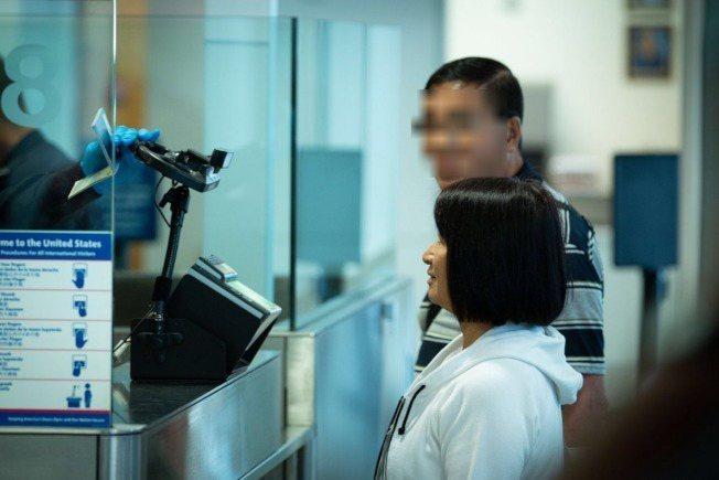 洛杉磯國際機場海關。示意圖/截自CBP推特