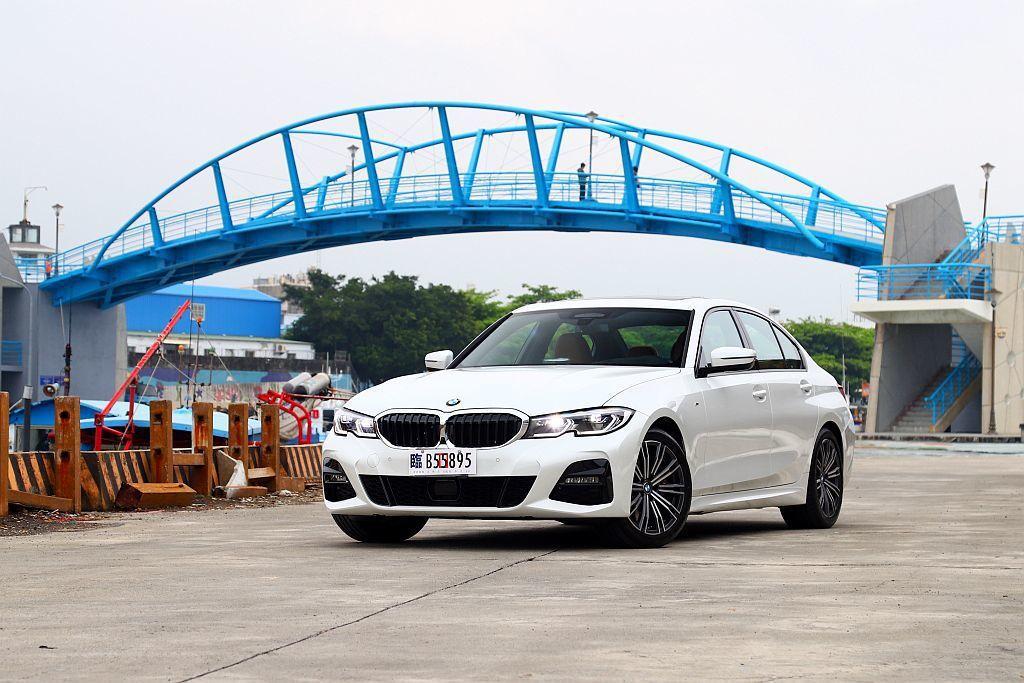 雖然BMW 330i M Sport外觀搶眼、操控更精進、安全科技系統也是大滿配,但未來銷售主力320i能否延續相同優勢,才是消費者未來在意的地方。 記者張振群/攝影
