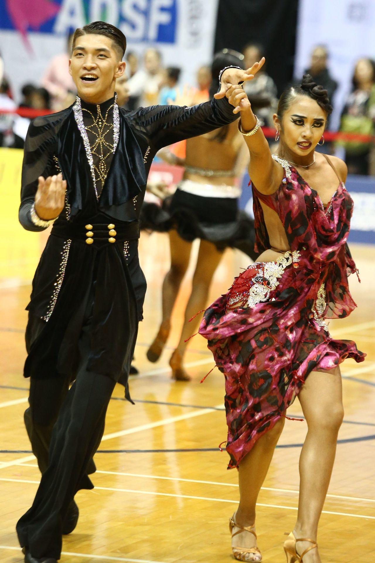 林詠鉦/莊雅晴。 中華民國體育運動舞蹈總會提供