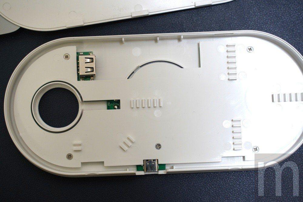 從內部結構來看,可以發現對應Apple Watch的無線充電,其實就是透過USB...