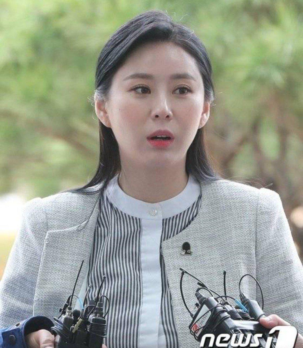 尹智吳為張紫妍奔走。圖/摘自news1