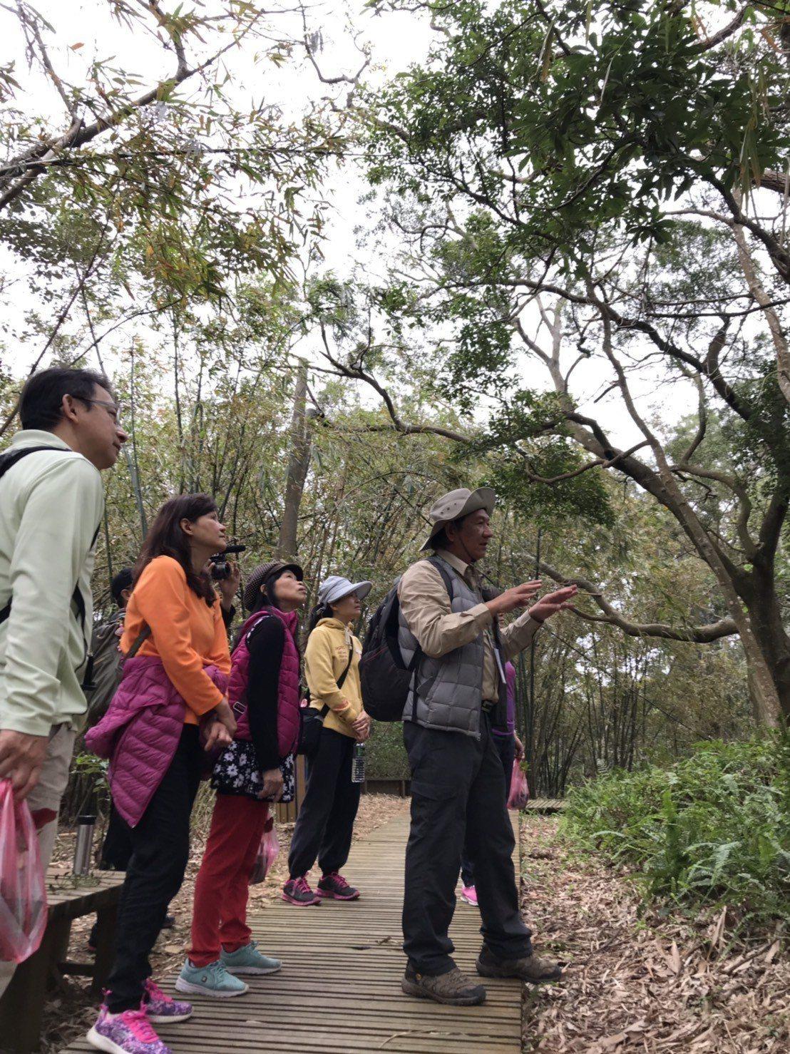 十八尖山是市民最愛運動休閒的地點,鄰近市區又有豐富自然的林相、平緩舒適的步道,不...