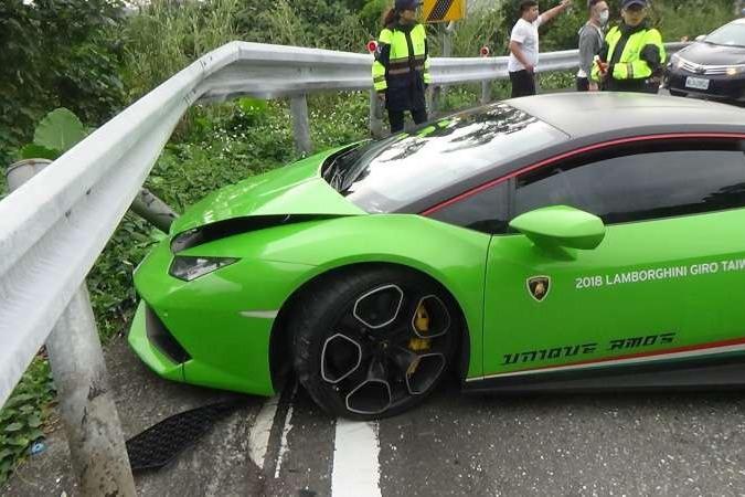 Lamborghini車頭撞爛  千萬車殘值剩600萬恐報廢
