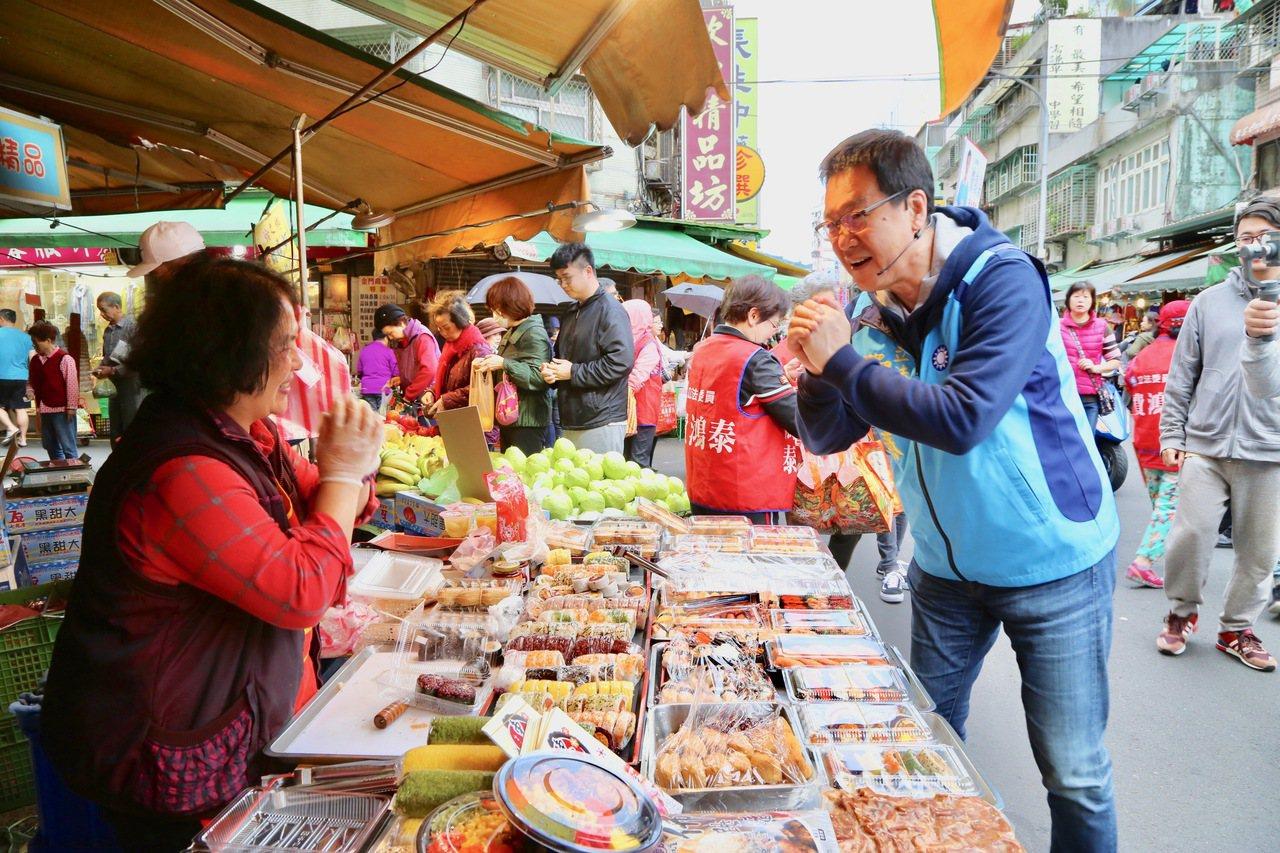 爭取連任的台北市立法委員費鴻泰,秉持「貼近民意、最接地氣」的精神,今日一早前往吳...