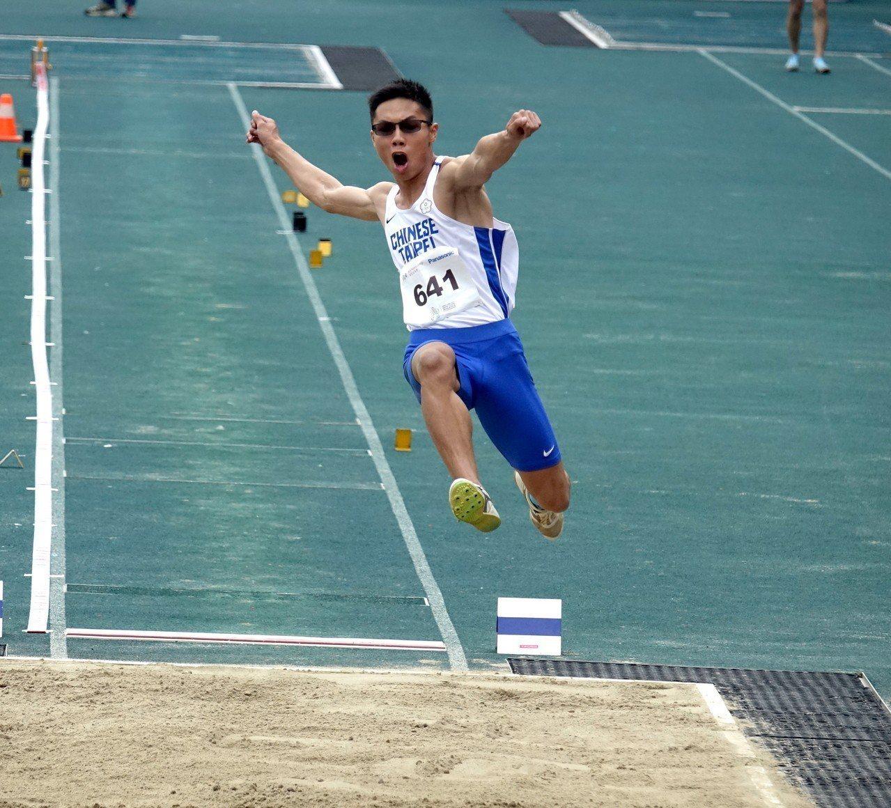 何奎霖跳出個人最佳的7公尺48奪銀。圖/中華田徑協會提供