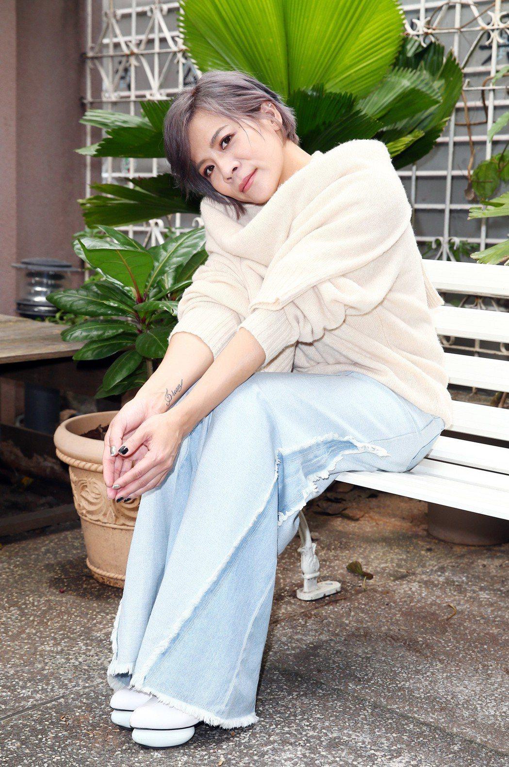 出道20年,江美琪12日舉辦首場大型個唱「我愛江美琪」,帶領歌迷返回20年前出道...